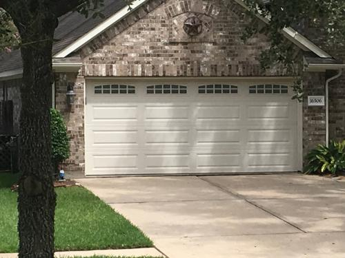 Garage Door Installation We offer garage door - Imagen 1